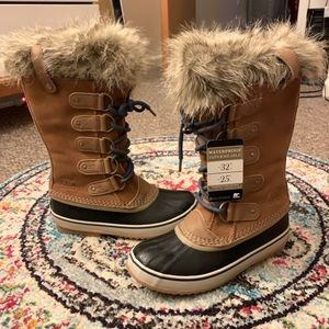 NEW WITH TAGS Sorel Joan of Arctic